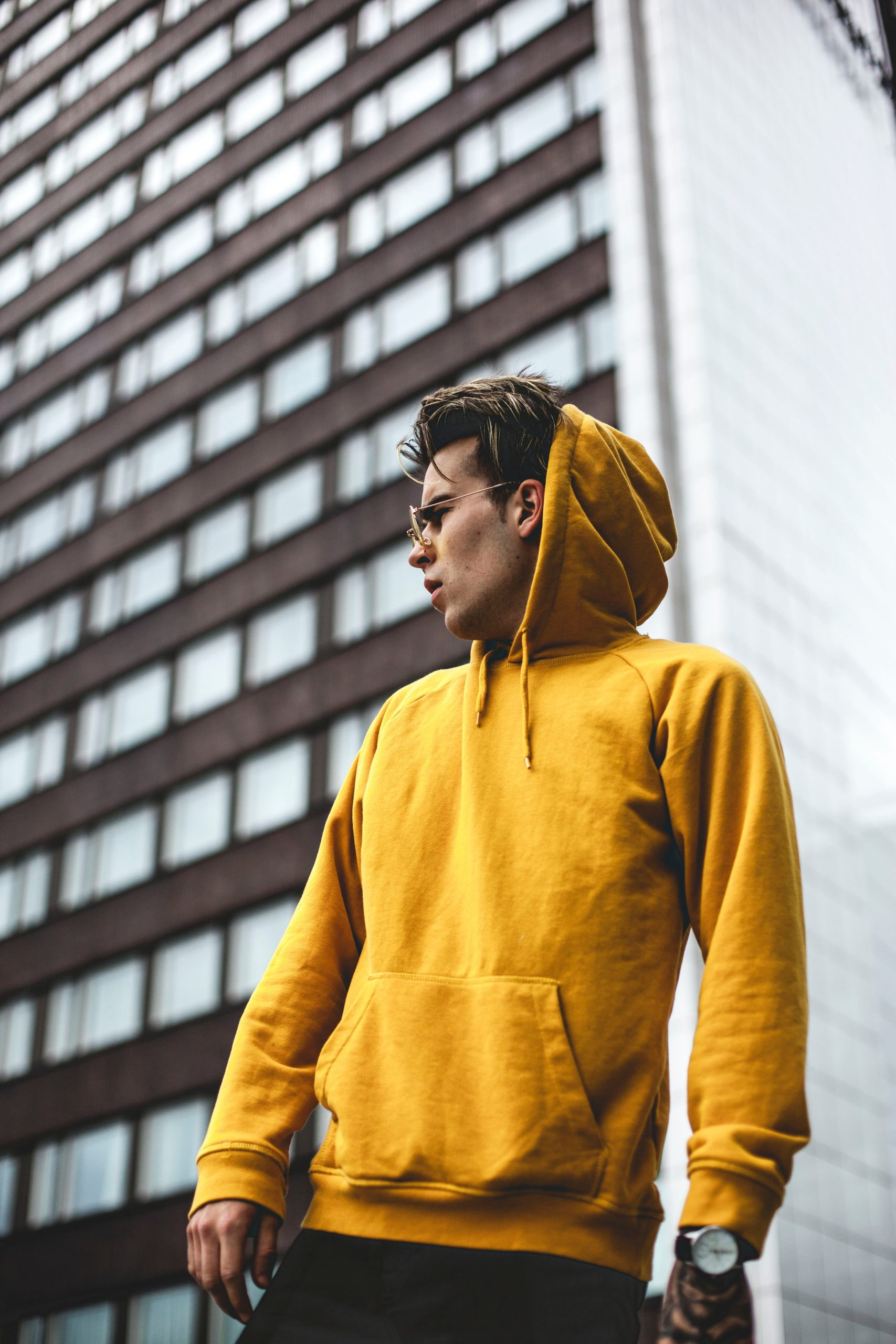 Read more about the article Top 6 Affordable Techwear Hoodies That Will Transform Your Look